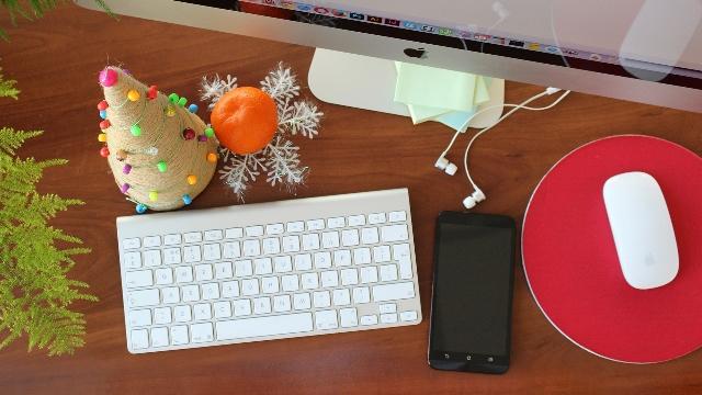 christmas-desk